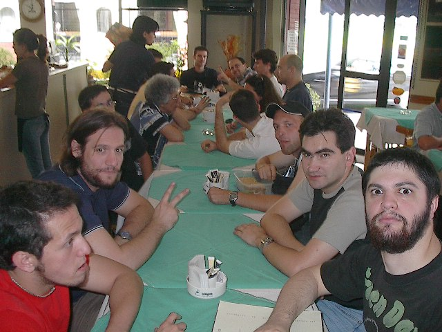 12  almuerzo  con  amigos