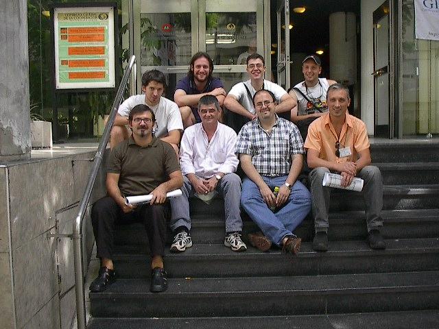 16  organizadores  locales